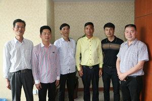 左起朱幸福、钦新昌、姚丹萍、吴玉明、王锋、陈玉顺